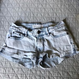 Bullhead low rise pale blue denim shorts